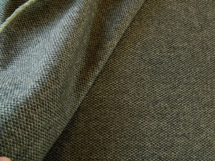 Wool Tweed in a Diamond Weave AB73